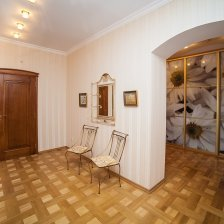 2-комнатная квартира по ул. К. Маркса, 45 с ремонтом, в кирпичном доме.