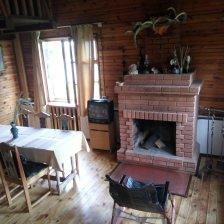 Дом на берегу реки з. Березена.