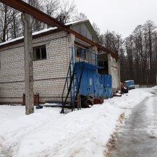Здание авторемонтных мастерских со складами