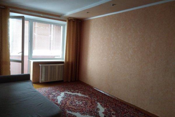 Сдам в аренду на длительный срок 2-х комнатную квартиру в г. Барановичах, ул. Советская, дом 51