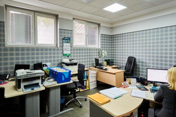 Аренда офиса с отдельным входом и дизайнерским ремонтом!