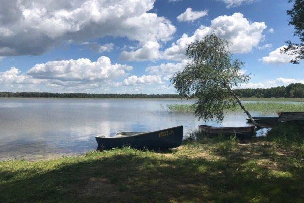 Усадьба Дыхание Леса на озере Струсто