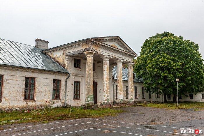 Под Брестом продается дворец Сапег-Потоцких: «Место шикарное, рядом — граница»